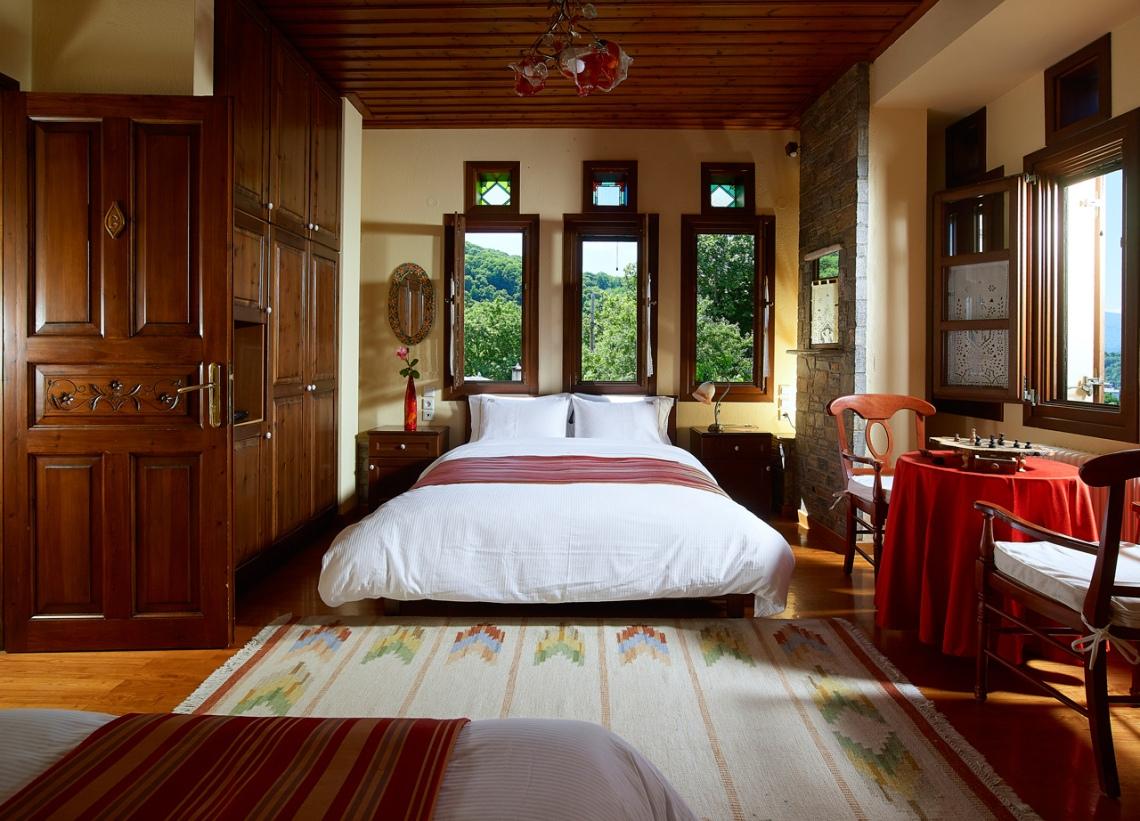 alekas house room